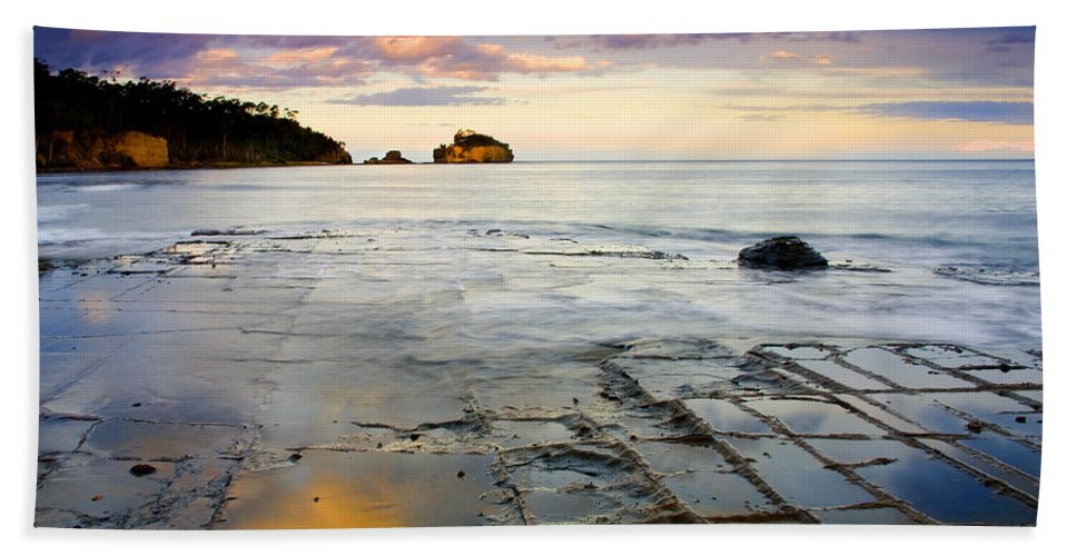 Tesselated Pavement Hand Towel featuring the photograph Sunset Grid by Mike Dawson