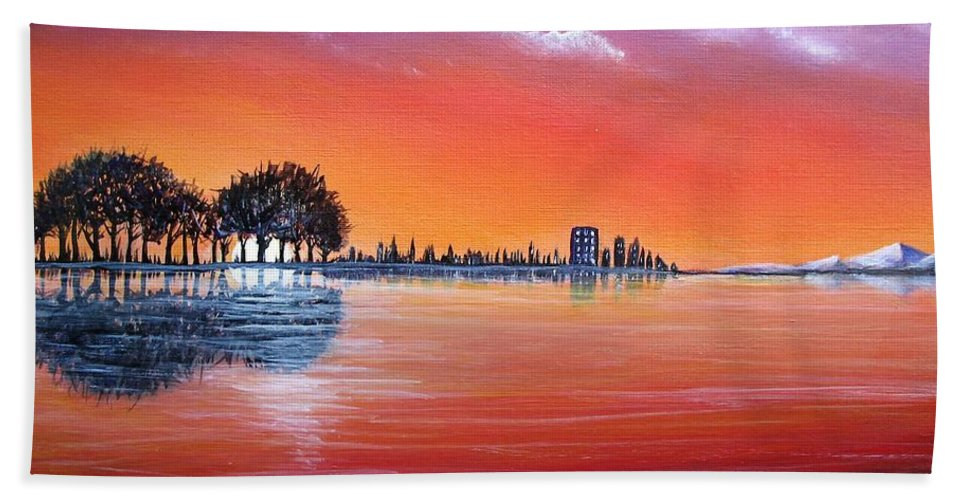 Sunset Hand Towel featuring the painting Sunset Illusion by Lisa Cini