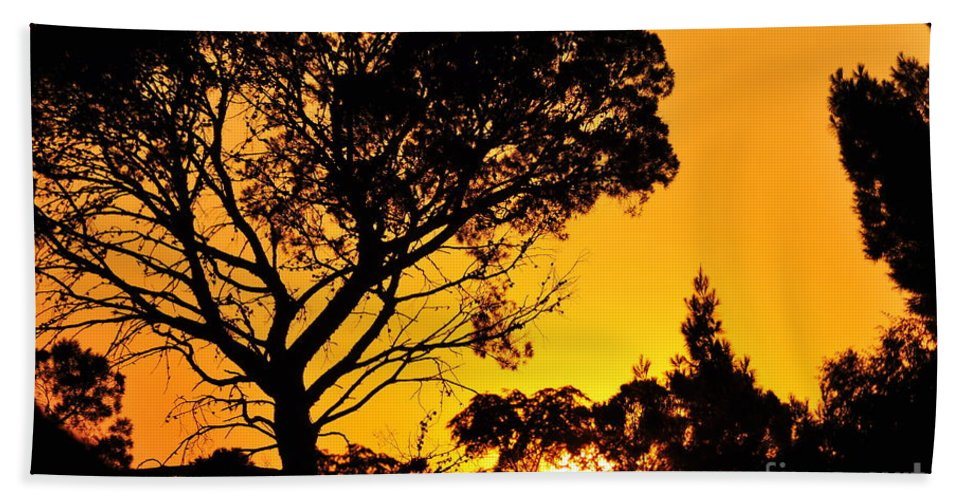 Clay Hand Towel featuring the photograph Sunset In Tujunga by Clayton Bruster