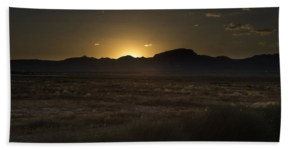 Kingman Hand Towel featuring the photograph Sunset by James Busse