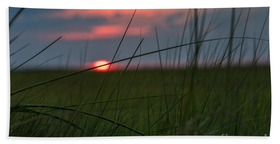 Sunrise Hand Towel featuring the photograph Sunset Margate by Alissa Beth Photography