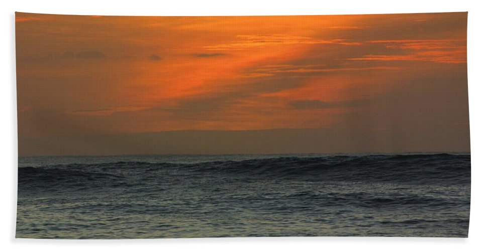 Hawaii Hand Towel featuring the photograph Sunset Ohau by Sarah Houser