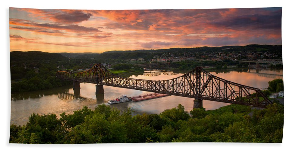 Beaver Hand Towel featuring the photograph Sunset On Ohio River by Emmanuel Panagiotakis