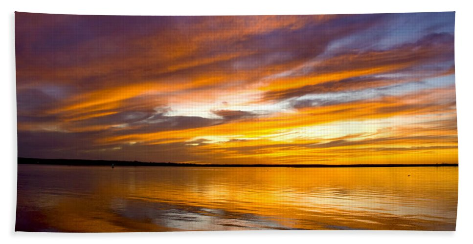 Sunset Hand Towel featuring the photograph Sunset On The Harbor by Charles Harden