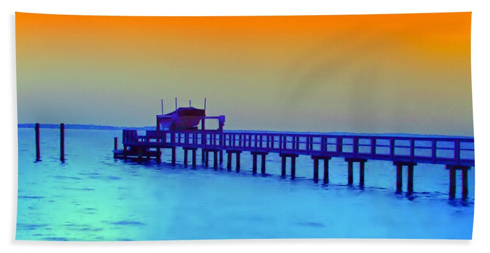 Florida Hand Towel featuring the photograph Sunset On The Pier by Bill Cannon