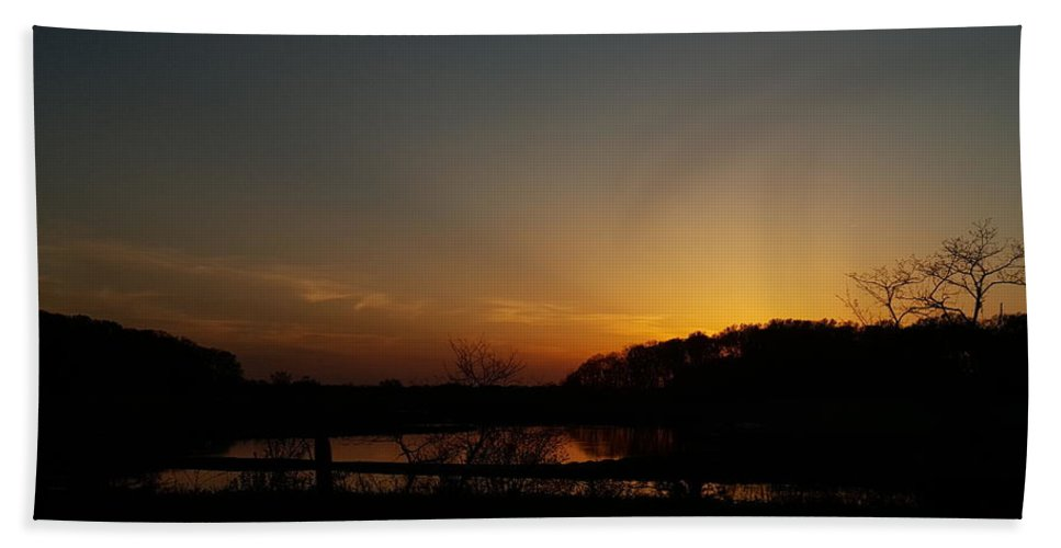 Sunset Hand Towel featuring the photograph Sunset Over Drawyers Creek by Tammy Finnegan