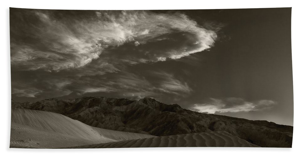 Death Bath Sheet featuring the photograph Sunset Over Sand Dunes Death Valley by Steve Gadomski