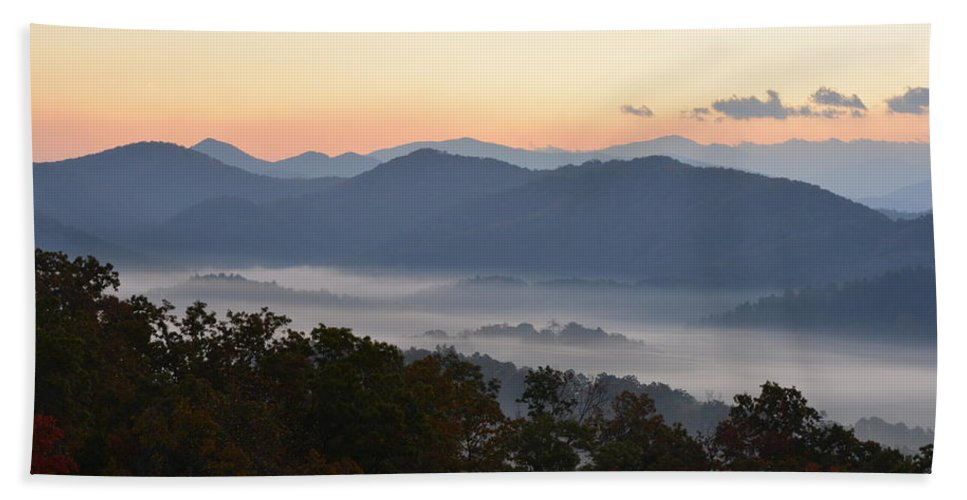 Sunset Hand Towel featuring the photograph Sunset Over The Mountaintops by Patricia Twardzik