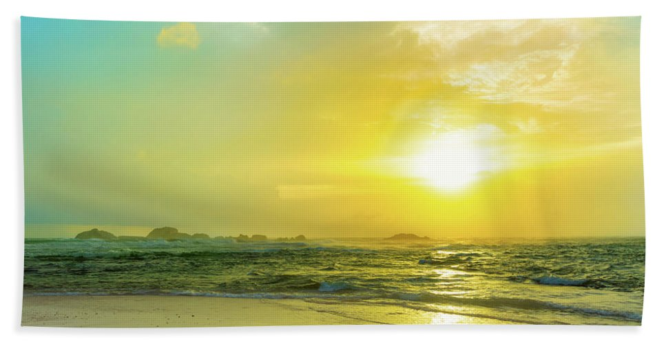 Sunset Bath Sheet featuring the photograph Sunset Over The Sea by MotHaiBaPhoto Prints