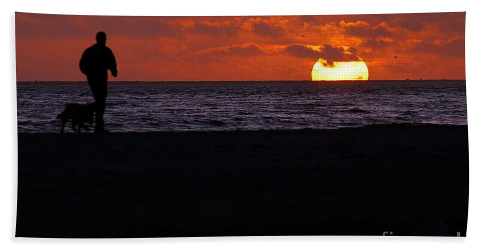 Clay Hand Towel featuring the photograph Sunset Run by Clayton Bruster