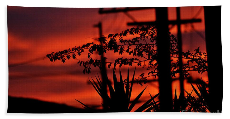 Clay Hand Towel featuring the photograph Sunset Sihouettes by Clayton Bruster