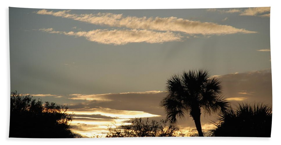 Clouds Palm Trees Bath Sheet featuring the photograph Sunsets In The West by Rob Hans