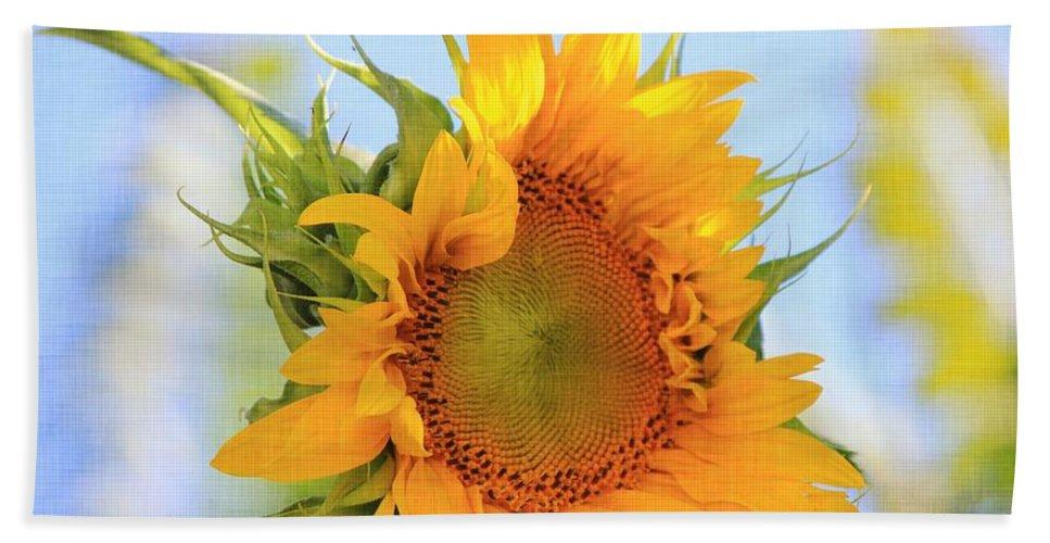 Sunflower Bath Sheet featuring the photograph Sunshiney Day by Sharon Johnston