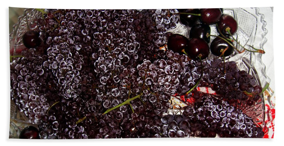 Super Small Grapes Hand Towel featuring the photograph Super Small Grapes by Sofia Metal Queen