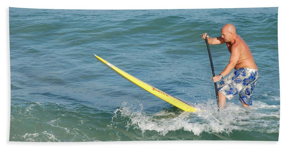 Sea Scape Bath Towel featuring the photograph Surfer Dude by Rob Hans