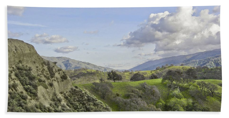 Landscape Bath Towel featuring the photograph Swallow Bay Cliffs by Karen W Meyer
