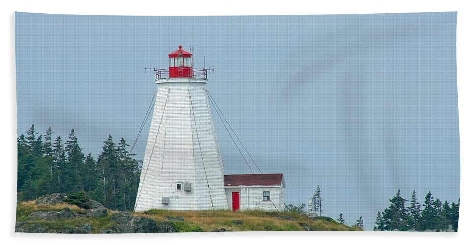 Lighthouse Bath Towel featuring the photograph Swallowtail Lighthouse by Thomas Marchessault