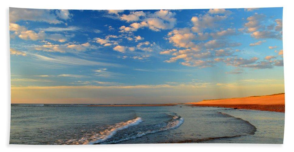 Ocean Bath Sheet featuring the photograph Sweeping Ocean View by Dianne Cowen