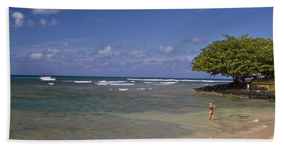 Swimmer Bath Sheet featuring the photograph Swimmer In Paradise by Robert Ponzoni