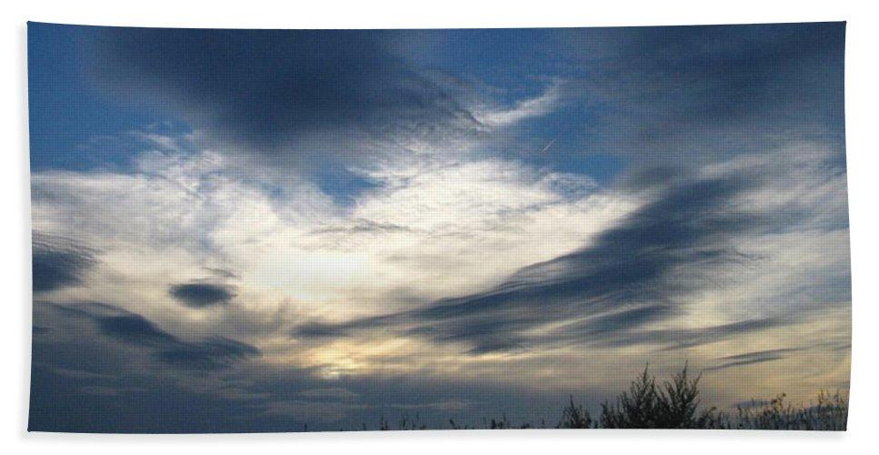 Sky Bath Towel featuring the photograph Swirling Skies by Rhonda Barrett