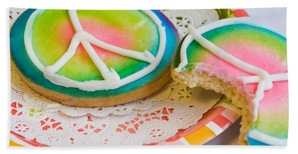 Cookie Bath Sheet featuring the photograph Symbols Of Peace by Diane Macdonald
