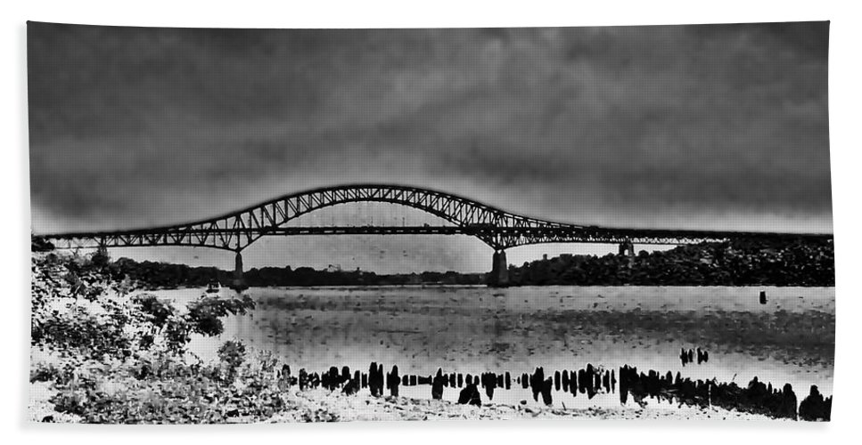 Philadelphia Hand Towel featuring the photograph Tacony Palmyra Bridge In B And W by Bill Cannon