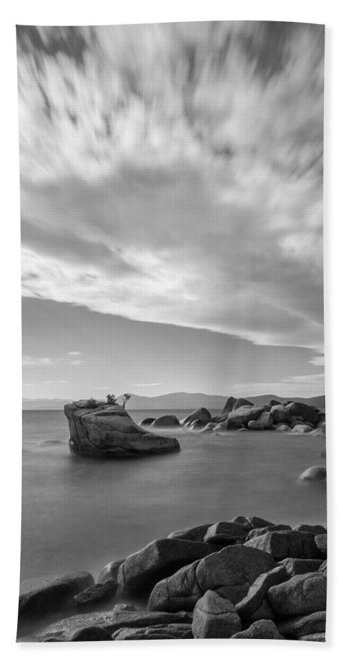 Landscape Bath Sheet featuring the photograph Tahoe Tiara by Jonathan Nguyen