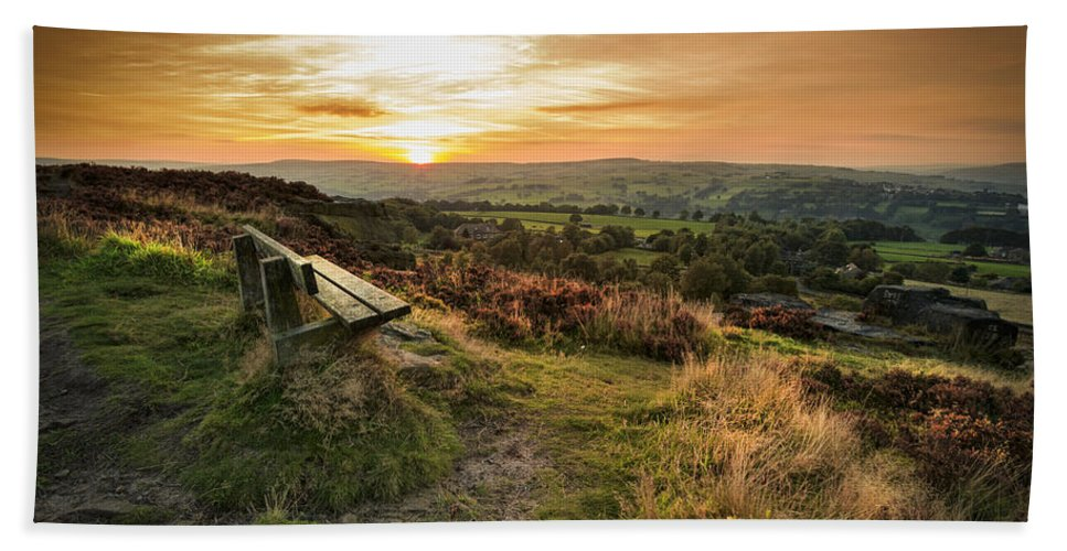 Moor Hand Towel featuring the photograph Take A Seat by Chris Smith