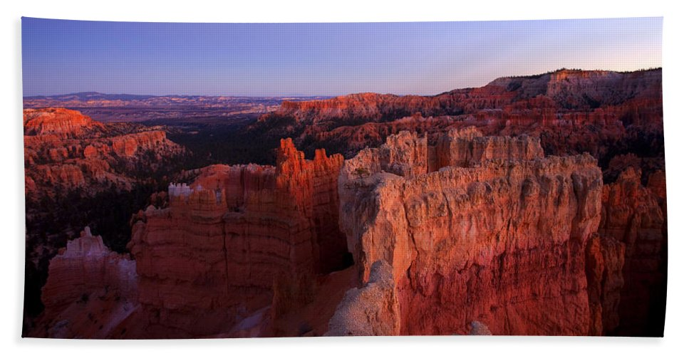 Hoodoo Bath Towel featuring the photograph Temple of the setting sun by Mike Dawson
