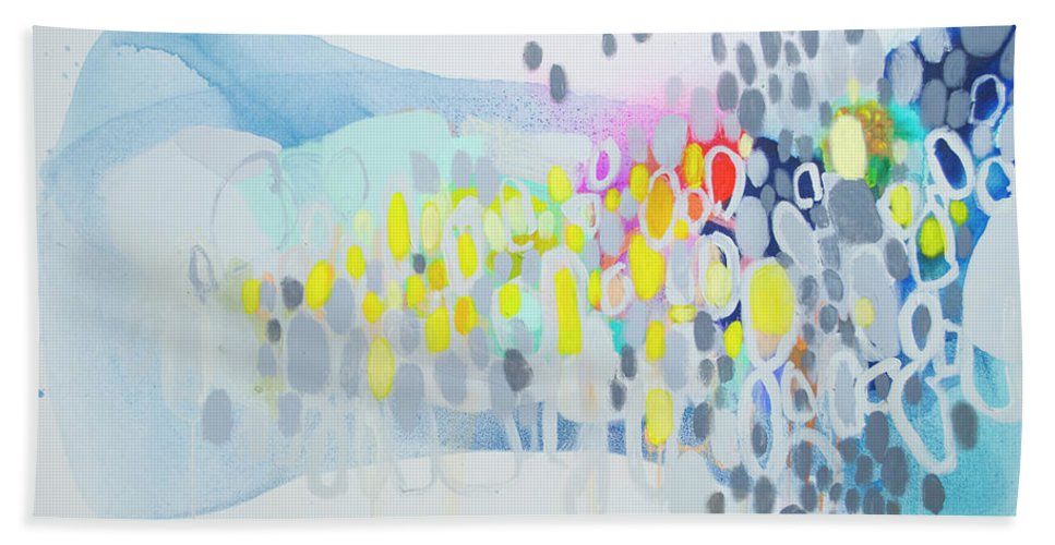 Abstract Bath Towel featuring the painting Ten O'clock Flight by Claire Desjardins