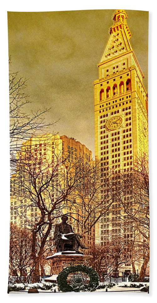 Winter Hand Towel featuring the photograph Ten Past Four At Madison Square Park by Chris Lord