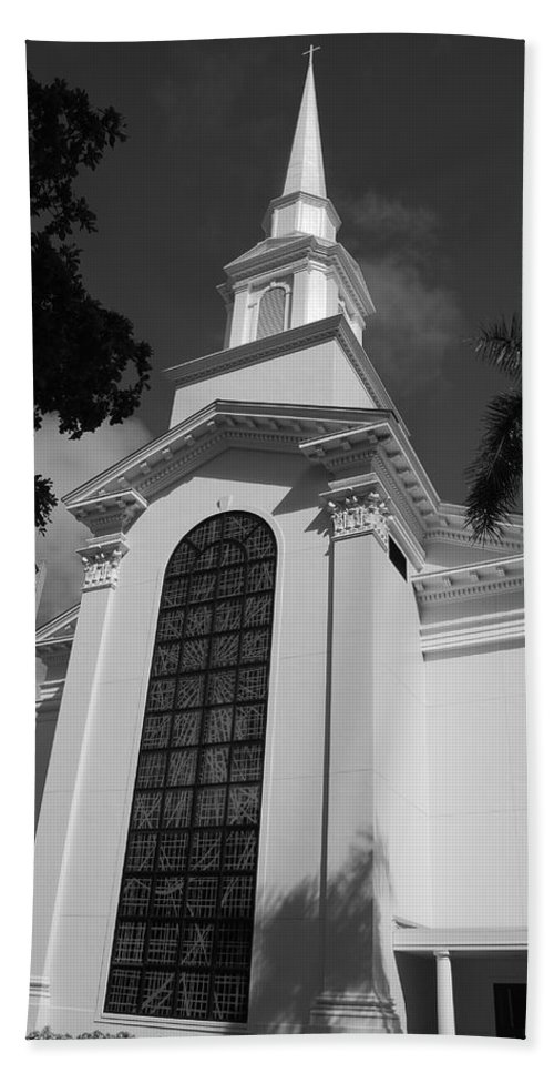 Architecture Hand Towel featuring the photograph Thats Church by Rob Hans
