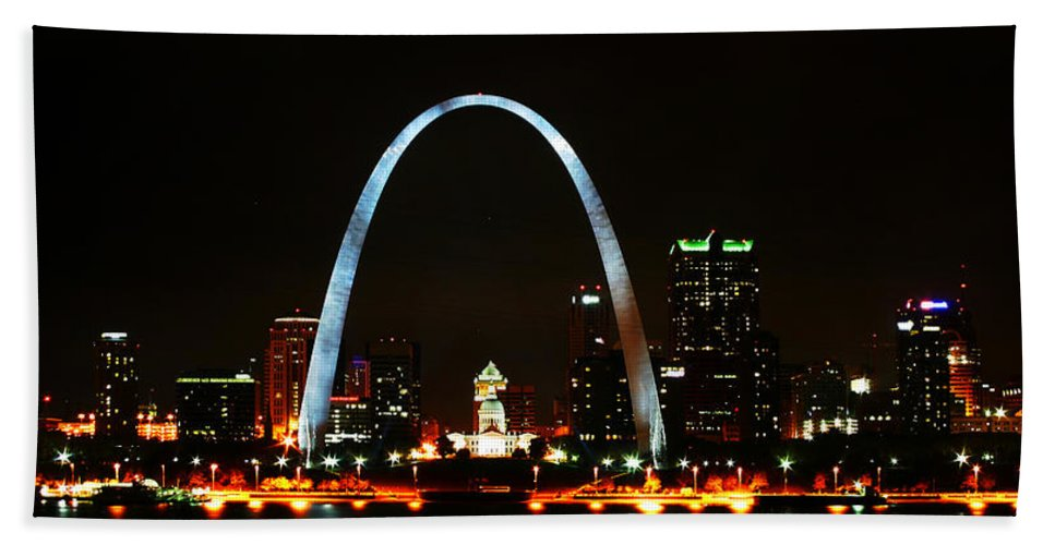 St Louis Hand Towel featuring the photograph The Arch by Anthony Jones