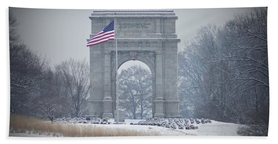 Arch Hand Towel featuring the photograph The Arch At Valley Forge by Bill Cannon