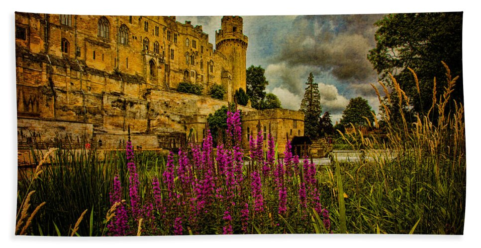 Castle Bath Sheet featuring the photograph The Avon At Warwick by Chris Lord