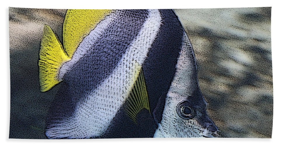 Fish Hand Towel featuring the photograph The Bannerfish by Ernie Echols