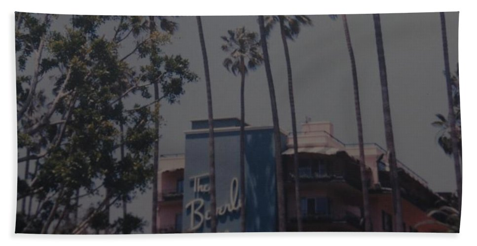 Beverly Hills Hand Towel featuring the photograph The Beverly Hills Hotel by Rob Hans