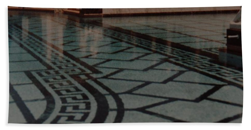 Sculpture Hand Towel featuring the photograph The Biggest Pool by Rob Hans