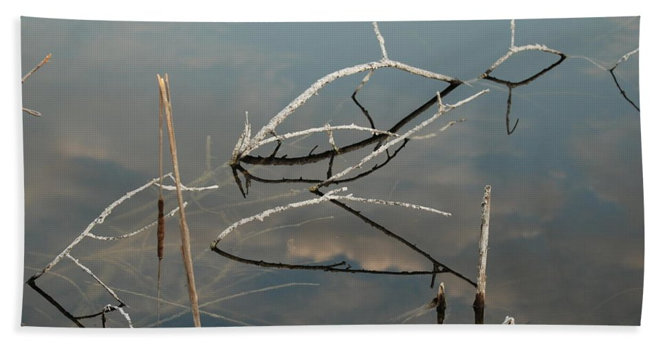 Wood Hand Towel featuring the photograph The Bridge by Rob Hans