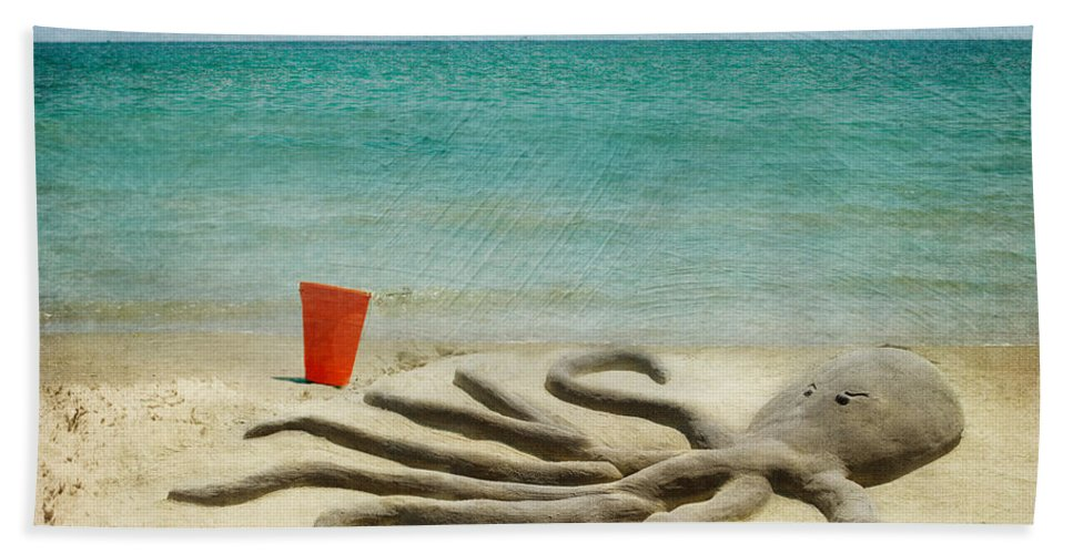 Ocean Bath Sheet featuring the photograph The Creature by Juli Scalzi