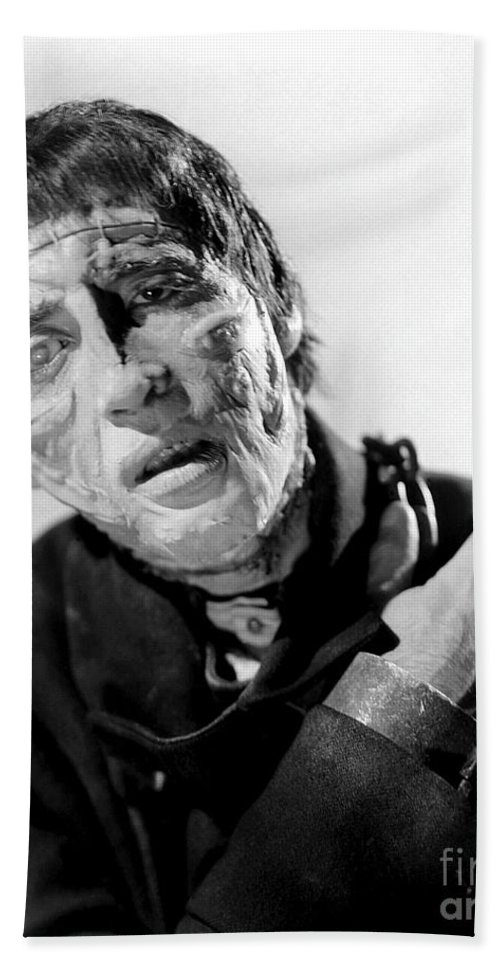 The Curse Of Frankenstein Bath Towel featuring the photograph The Curse Of Frankenstein Christopher Lee 1957 by R Muirhead Art