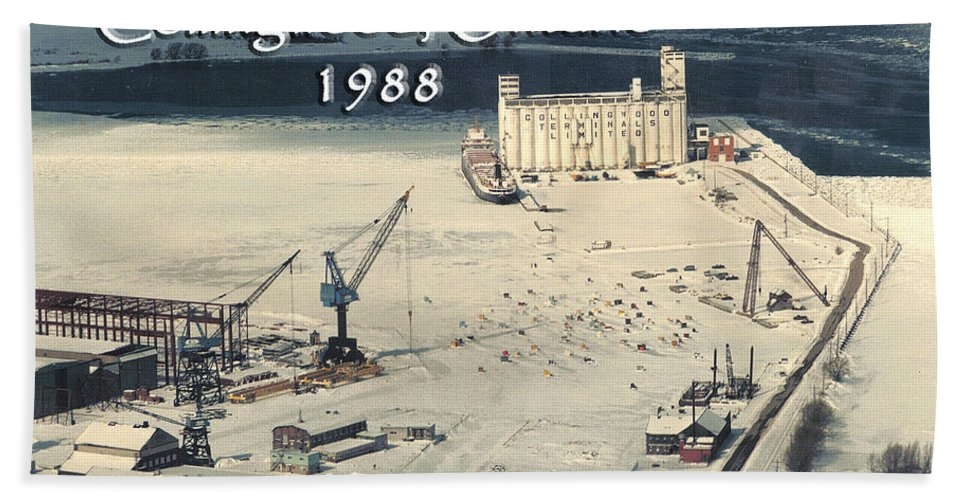 Collingwood Hand Towel featuring the photograph The Dock - Revisited by D'Arcy Evans