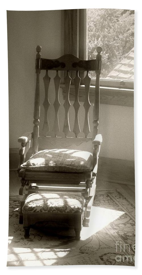 Antique Hand Towel featuring the photograph The Empty Chair by RC DeWinter