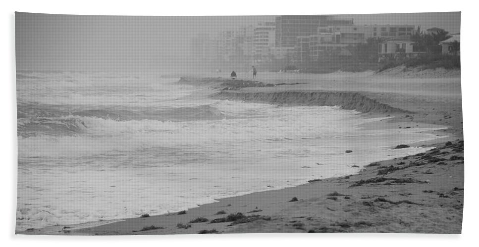 Black And White Bath Sheet featuring the photograph The Eroded Coast by Rob Hans