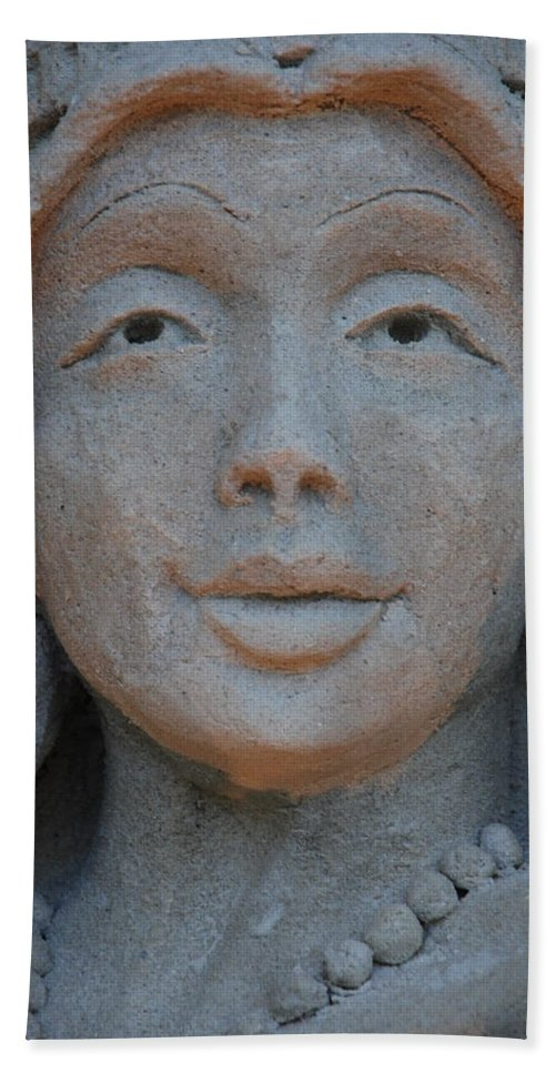 Sand Hand Towel featuring the photograph The Face by Rob Hans