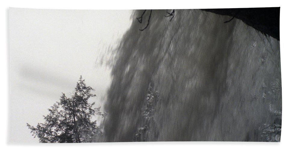 Waterfalls Hand Towel featuring the photograph The Falls by Richard Rizzo