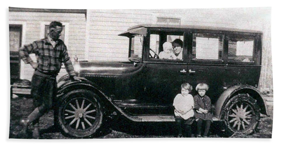Black And White Photo Old Car Classic 1927 Kids Children Homestead Family Pioneers Prairies Bath Sheet featuring the photograph The Family Car by Andrea Lawrence