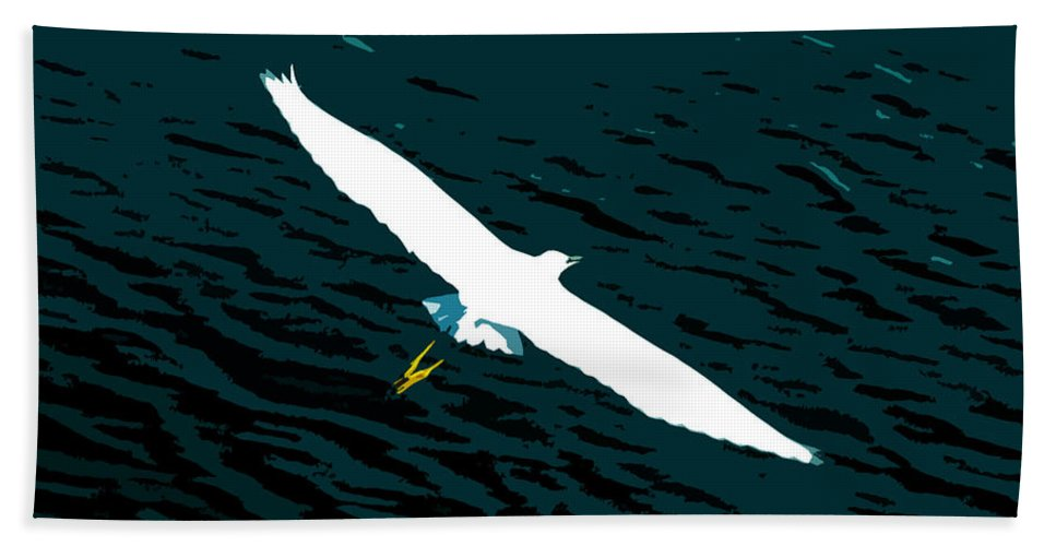 Great White Egret Bath Towel featuring the photograph The Flying Egret by David Lee Thompson