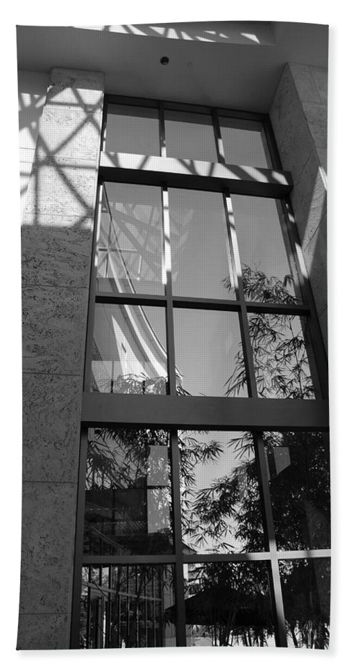 Sun Hand Towel featuring the photograph The Glass Window by Rob Hans
