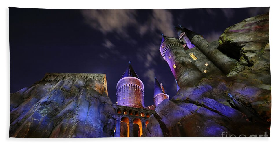 Harry Potter Hand Towel featuring the photograph The Keep by David Lee Thompson